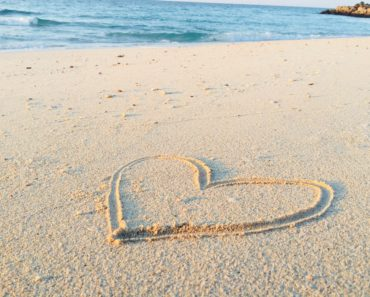 Heart on beach photo by khadeeja-yasser-485476-unsplash